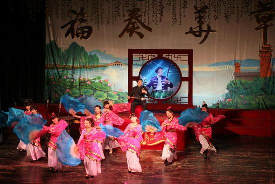 《浏阳河》二胡独奏刘福华 伴舞音协蔡甸分会胡莉 俞纯 刘培 王伟 张静