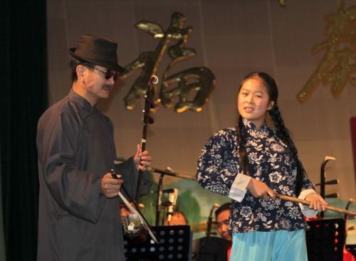 、《二泉映月》二胡独奏刘福华 伴奏 武汉群星民乐团 杨琴 何晓瑛 指挥